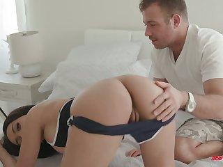 Bootyful babe Aaliyah Hadid is fucked by hot blooded boyfriend