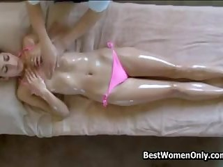 Hot 18Yo Geting A Parlour Japanese Massage Spycam