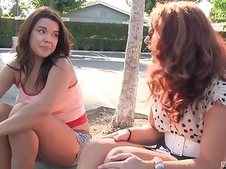 Savannah Fox likes to masturbate with a friend more than anything