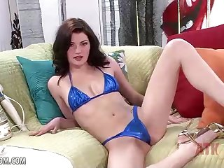 Jessica Rex took off her blue bathing suit and commenced vibing her puss with a magic wand