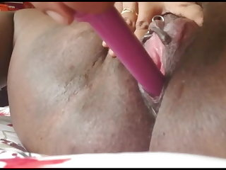 Seductive THICK Shagging Her Vagina Until She Squirts