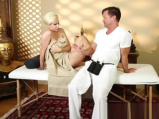 Busty glam babe sucks dick during massage