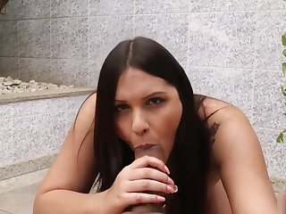 Smoking shemale babe gets a blowjob