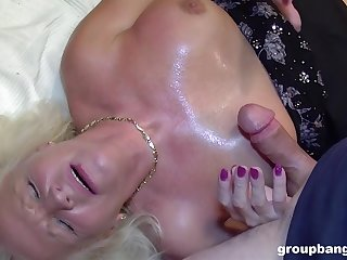 Erotic fantasy and cum swallow for the naked auntie