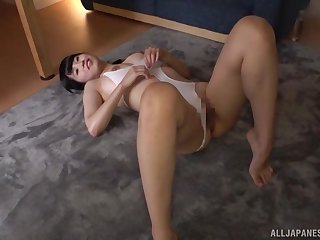 A sloppy blowjob makes sure that the rod banging her is as hard as rock