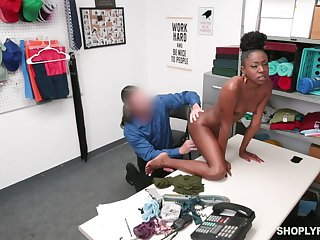Skinny ebony shop lifter has to fuck her way out
