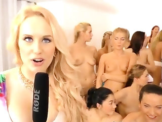 I came inside my step xxx 40 girls came over to party and