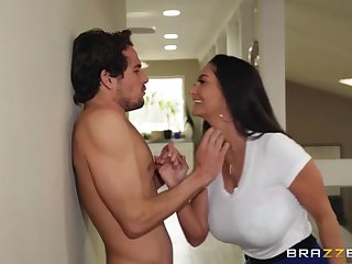 Tyler Nixon cheats on his GF with her mother Ava Addams