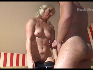 Mature German PAWG wants some man meat and she is so seductive