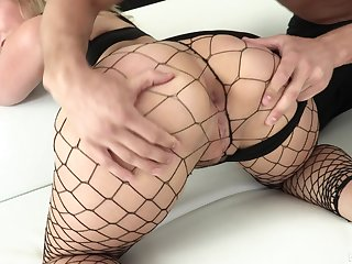 Super bootylicious nympho in fishnet stuff Lisey Sweet loves hard anal