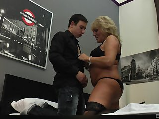 Amateur mature with large natural boobs fucked by her partner