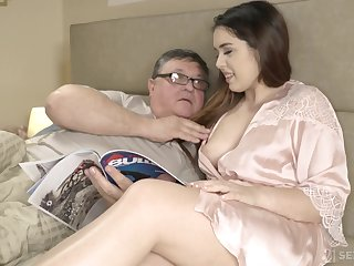 An old man discovers the joy of having sex with his curvy stepdaughter