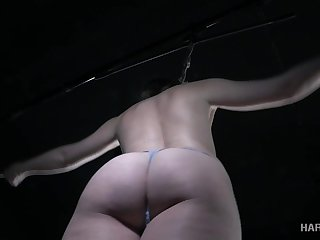 Brooke Bliss gets turned on from bondage and that babe's ass is so juicy