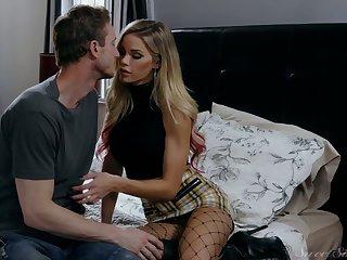 Mesmerizing blond head in black fishnet stockings Jessa Rhodes rides dick