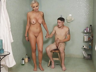 I can't believe my stepmom riding my cock right now!